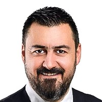 Yenal Tüzün - Coldwell Banker emlak danışmanı